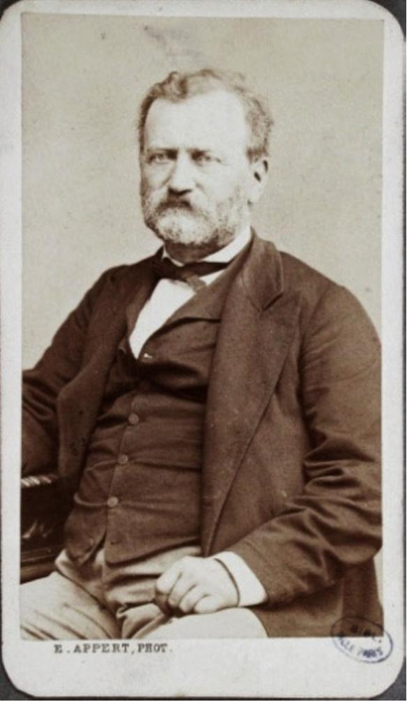 Hubert Joseph Édouard Ordinaire, né le 27 mars 1812 à Besançon (Doubs) et mort le 12 mars 1887 à Maisières-Notre-Dame (Doubs) est un médecin, alpiniste, publiciste et homme politique français.